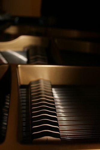 Refurbished-Piano-32