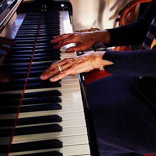 piano-buying