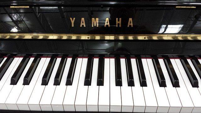 piano-622768_640