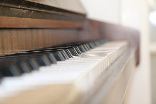 piano-623189_640