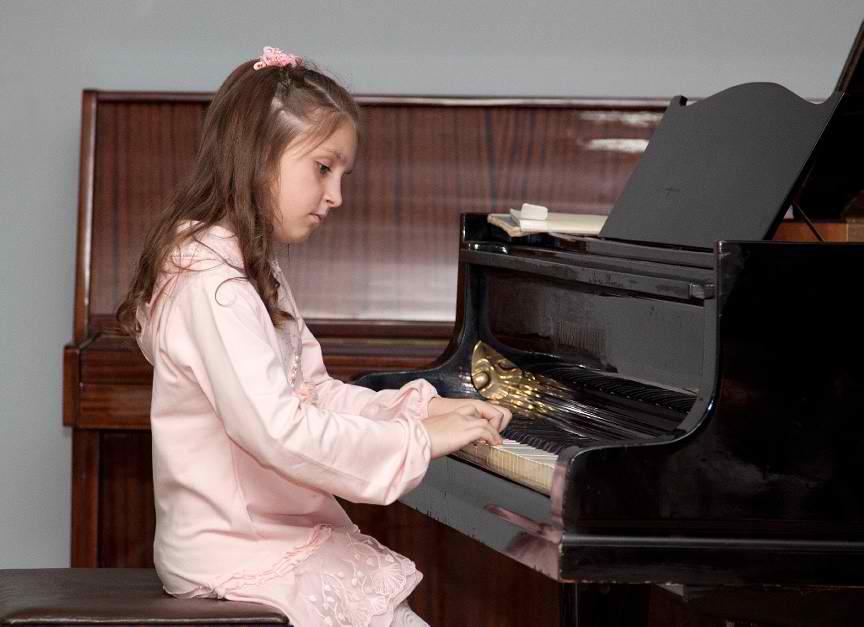 piano-player-69