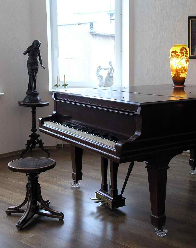grand-piano-72