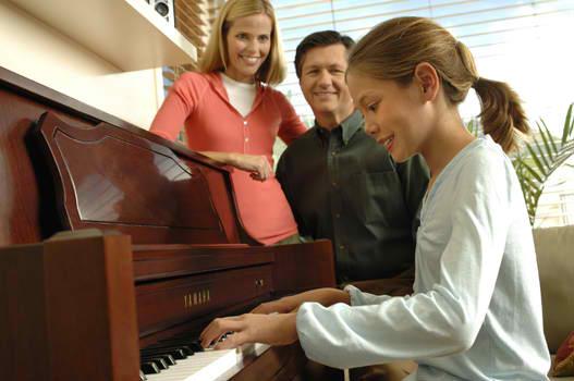 yamaha piano playing