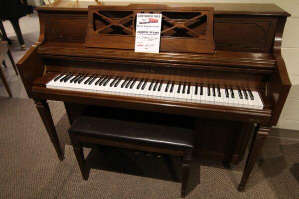 Samick Console Piano]